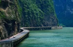 """【乐山新晋网红打卡景点】这条""""最美水上公路""""你打卡过了吗?"""